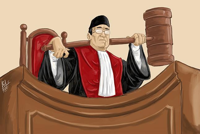 Kewajiban Mengenakan Toga dalam Sidang Pengadilan