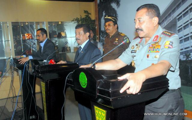 Jumpa Pers Tiga Pimpinan Penegak Hukum usai MoU