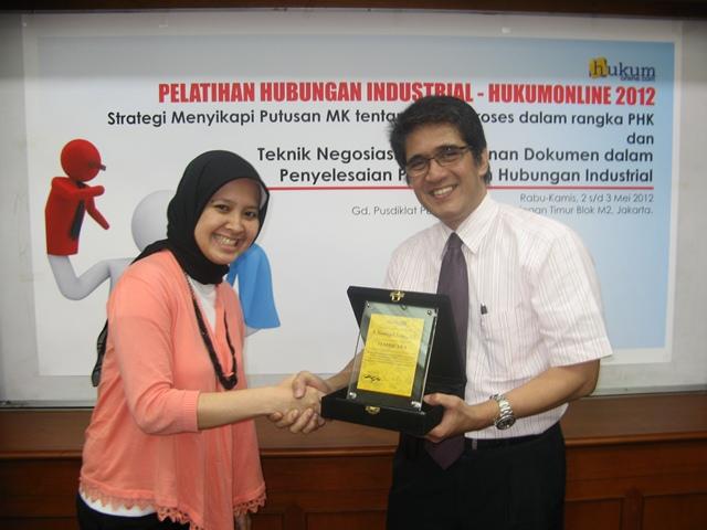 Pelatihan Hubungan Industrial - Hukumonline 2012