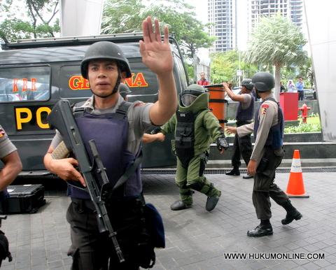Polri dan DPR Musuh Kebebasan Pers 2012
