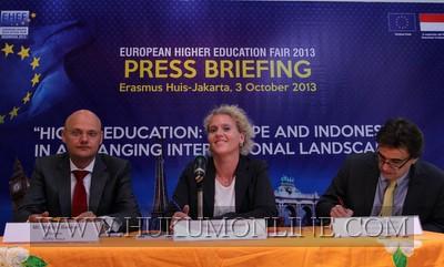 Minat Mahasiswa Indonesia ke Luar Negeri Meningkat