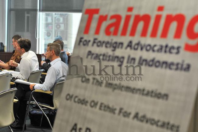 PERADI Gelar Pelatihan untuk Advokat Asing