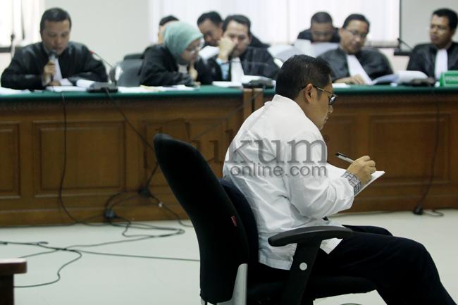 Anas Urbaningrum Dituntut 15 Tahun Penjara