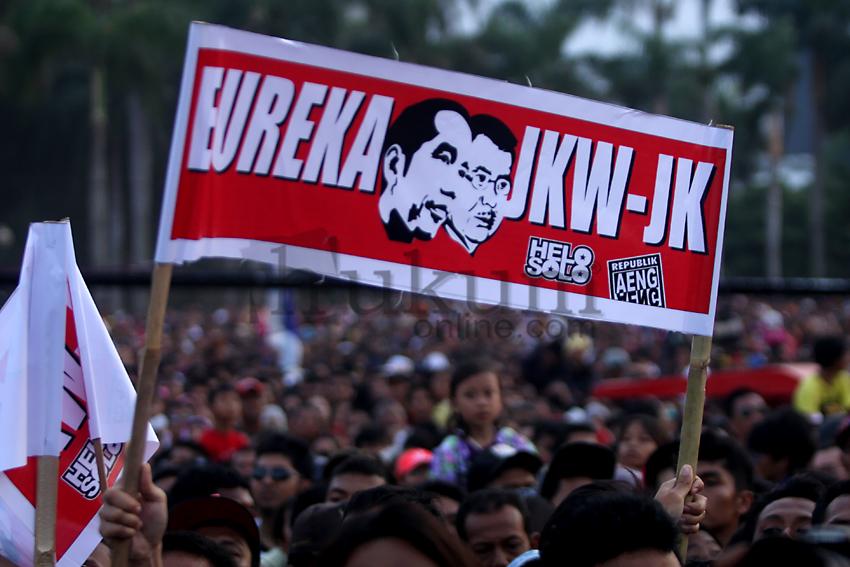 Ribuan Massa Hadir di Monas Menyambut Jokowi-JK