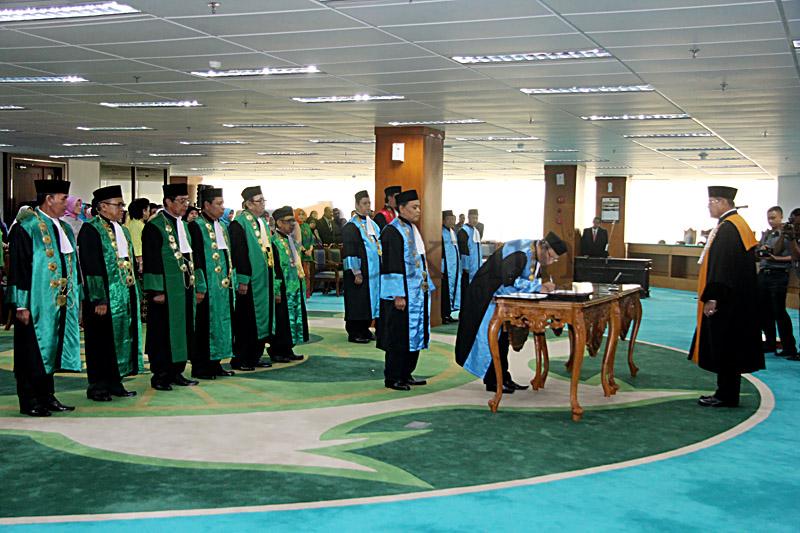 Ketua MA Lantik 10 Ketua Pengadilan Tinggi