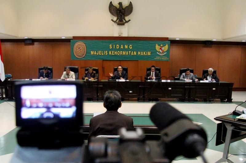 Hakim Ad Hoc Tipikor Jalani Sidang MKH