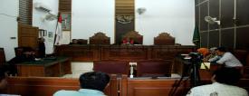PN Jaksel menggelar sidang putusan praperadilan Bupati Morotai Rusli Sibua versus KPK, Selasa (11/8). Dipimpin hakim tunggal Martin Ponto Bidara, permohonan praperadilan Rusli Sibua dinyatakan gugur.
