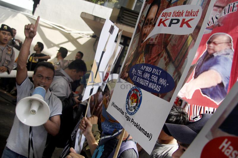 Komunitas Tugu Proklamasi Unjuk Rasa di KPK