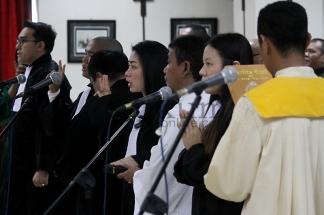 PT DKI Gelar Pengangkatan Sumpah Advokat PERADI