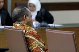 Bupati Morotai Divonis 4 Tahun Penjara
