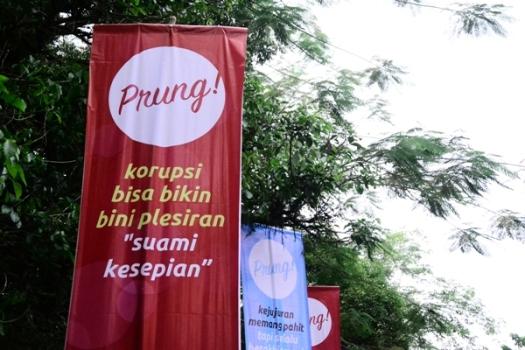 Pesan 'Nyeleneh' KPK Lewat Umbul-Umbul