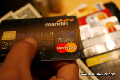 Ini Bahaya Gesek Kartu Debit dan Kredit Selain di Mesin EDC