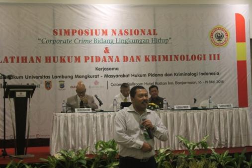 Shaifuddin Akbar (depan), Kasubdit Penyidikan Peruakan Lingkungan Hidup, Kebakaran Hutan dan Lahan Kementerian LHK.  Foto: MYS