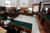 Hakim tunggal pada Pengadilan Negeri Jakarta Selatan I Wayan Karya menggugurkan gugatan permohonan praperadilan yang diajukan mantan Ketua DPD RI Irman Gusman, Rabu (2/11).