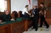 Alasan hakim menggugurkan gugatan lantaran berkas perkara Irman telah dilimpahkan ke Pengadilan Tindak Pidana Korupsi Jakarta.