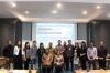 Peserta berfoto dengan tim dari Bank Indonesia