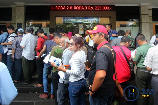 Polri Dinilai Abaikan UU Pelayanan Publik Terkait Tarif Surat Kendaraan Bermotor