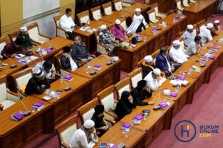 Komisi III Rapat dengan Peserta Aksi 212