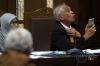 Terpidana suap hakim Pengadilan Tata Usaha Negara Medan Otto Cornelis Kaligis dalam sidang Peninjauan Kembali (PK) di Pengadilan Negeri Jakarta Pusat, Jakarta, Senin (13/3).