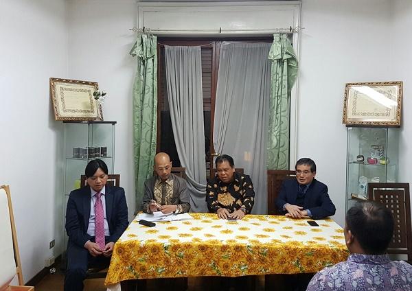 Ketua MK Bertemu Diaspora Indonesia di Milan