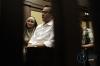 Terdakwa yang merupakan Direktur Utama PT Technofo Melati Indonesia, Fahmi Darmawansyah (kanan), didampingi istri Inneke Koesherawati bersiap menjalani sidang lanjutan kasus suap Bakamla di Pengadilan Tipikor, Jakarta, Senin (20/3).