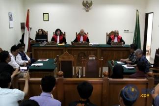 Hakim Tidak Terima Keberatan Alfamart