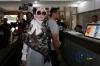 Firza Husein tiba di Ditreskrimsus Polda Metro Jaya untuk menjalani pemeriksaan, Jakarta, Selasa (16/5).