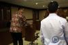 Mantan Kepala Unit III Subdit III Direktorat Tindak Pidana Korupsi Bareskrim Polri yang juga teman dekat dari terpidana korupsi Angelina Sondakh, Brotoseno saat menjalani sidang dengan agenda pembacaan tuntutan oleh jaksa penuntut umum di Pengadilan Tipikor Jakarta, Kamis (18/5).
