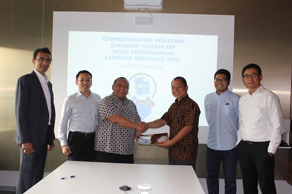 PSHK dan Yayasan AHP Teken MoU Penelitian Hukum