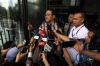 Mantan Ketua Badan Penyehatan Perbankan Nasional (BPPN) I Putu Gede Ary Suta usai menjalani pemeriksaan di Gedung KPK, Jakarta, Kamis (15/6).