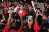 Aksi massa yang terdiri dari budayawan, seniman hingga aktivis antikorupsi yang ditemui langsung oleh ketua KPK Agus Raharjo dan pimpinan lainnya tersebut untuk menyatakan diri menolak hak angket yang digulirkan Dewan Perwakilan Rakyat (DPR) dan mendukung penuh terhadap pemberantasan korupsi di Indonesia.