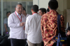 Menteri Desa, Pembangunan Daerah Tertinggal dan Transmigrasi (Mendes PDTT) Eko Putro Sandjojo bersiap menjalani pemeriksaan di gedung KPK, Jakarta, Jumat (14/7).