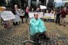 Dalam aksinya mereka meminta kepada Presiden Joko Widodo untuk membentuk tim gabungan pencari fakta (TGPF) kasus penyiraman air keras terhadap Novel Baswedan.