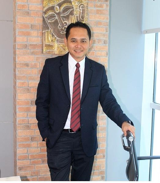 Lantiko Hikma Suryatama, 9 Tahun Jadi Investigator KPPU 'Banting Stir' Jadi Lawyer