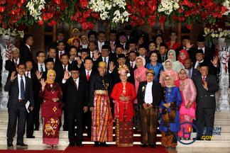Sidang MPR Tahunan, Jokowi-JK Kenakan Pakaian Adat