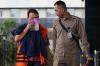 Auditor Madya pada Sub Auditorat VII B2 Badan Pemeriksa Keuangan (BPK) Sigit Yugoharto keluar dari mobil tahanan saat akan menjalani pemeriksaan di gedung KPK, Jakarta, Senin (9/10).