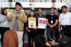 Koalisi Masyarakat Sipil Peduli KPK meminta Presiden Joko Widodo untuk serius dalam menyikapi kasus tersebut.