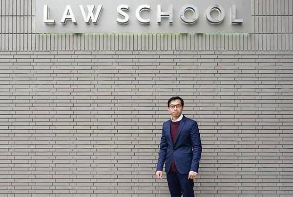 Cloud Computing: Hukum Positif dan Kontraknya Oleh: Daniar Supriyadi*)