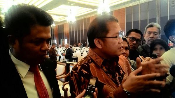 Menteri Komunikasi dan Informatika, Rudiantara (baju batik). Foto: NNP