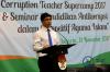Wakil Ketua KPK Laode M Syarif saat membuka acara Anti-Corruption Teacher Supercamp 2017 yang diadakan oleh KPK di Jakarta, Senin (13/11).