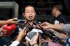 Wakil Bendahara Umum bidang jasa keuangan perbankan Partai Golkar Zulhendri Hasan menjalani pemeriksaan di gedung KPK, Jakarta, Selasa (14/11).