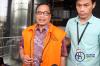Mantan Dirjen Dukcapil Kemendagri Irman dan Direktur Utama PT Quadra Solution Anang Sugiana Sudihardjo keluar dari gedung KPK usai diperiksa oleh penyidik KPK, Selasa (28/11).