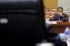 Ketua Mahkamah Konstitusi (MK) Arief Hidayat mengikuti uji kelayakan dan kepatutan sebagai calon hakim MK di ruang rapat Komisi III, Kompleks Parlemen Senayan Jakarta, Rabu (6/12).