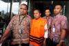 KPK resmi menetapkan dan menahan Abdul Latif sebagai tersangka penerima suap terkait pembangunan RSUD Damanhuri, Kalimantan Selatan dengan komitmen suap senilai Rp3,6 miliar usai terjaring operasi tangkap tangan KPK pada Kamis (4/1) dan para pengusaha sebagai pihak yang diduga pemberi suap.