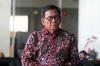 Mantan anggota DPR M Jafar Hafsah usai menjalani pemeriksaan di gedung KPK, Jakarta, Selasa (9/1).