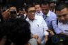 Menteri Hukum dan HAM Yasonna H. Laoly berada di lobi seusai menjalani pemeriksaan di gedung KPK Jakarta, Rabu (10/1).