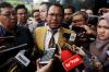 Namun tersangka kasus dugaan menghalangi penyidikan terhadap perkara yang melilit Setya Novanto itu meminta penyidik menunda pemeriksaan.