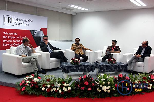 Siapa Bilang Yurisprudensi Tak Penting Bagi Hakim Indonesia