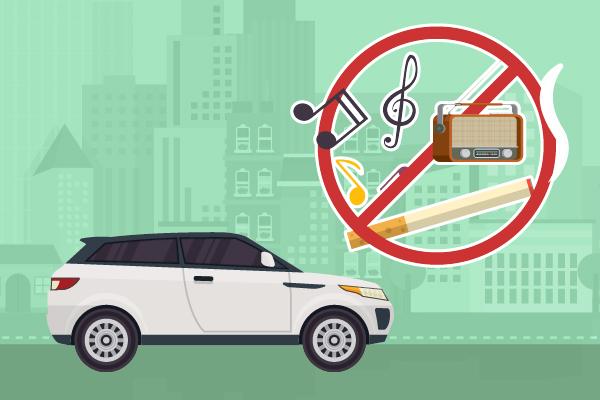 Benarkah Ada Larangan Merokok atau Mendengarkan Musik Saat Berkendara?