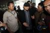 Penyidik senior Komisi Pemberantasan Korupsi (KPK) Novel Baswedandidampingi tim advokat hadir memenuhi panggilan pemeriksaan Tim Pemantauan Kasus Novel Baswedan di kantor Komisi Nasional Hak Asasi Manusia (Komnas HAM), Jakarta, Selasa (13/3).